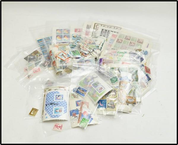 シート切手・バラ切手 大量に買取させて頂きました!