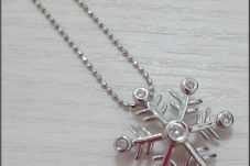 K18WG ダイヤモンド付き ネックレス 雪の結晶 メレD:0.1ct 約 2.7g 38cm ホワイトゴールド 750 金 ゴールド ※中古 美品買取致しました。