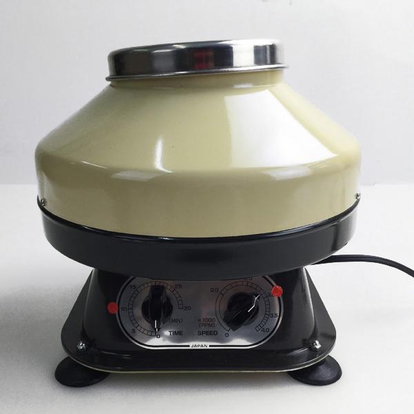松本製器株式会社 卓上小型遠心器 4MT φ250×220 年式2012 一般医療機器 汎用検査室用遠心機買取いたしました。