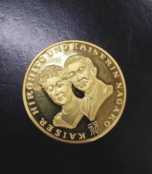 瑞浪市のお客様より 24金 天皇皇后両陛下御外遊記念メダル買取致しました。