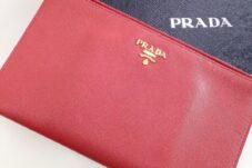 PRADA サフィアーノ メタル レザー 1M1441 フラットポーチ  買取致しました。